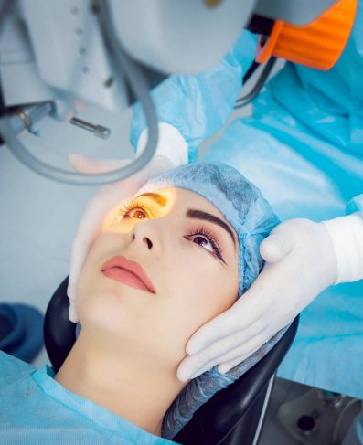 cataract-surgery-on-patient